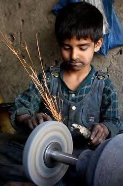 اشتغال کودکان، آسیبها و چالشها