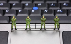 army-soldiers-laptop-370x229