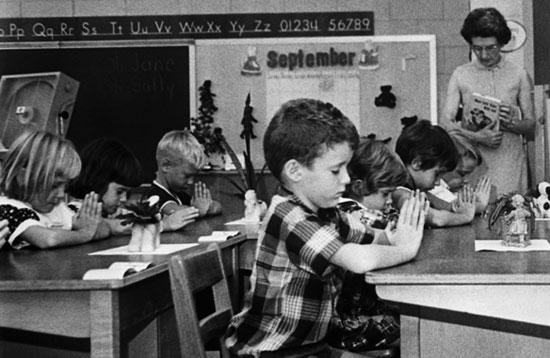 جدایی مذهب از مدارس در غرب، چرا و چگونه؟
