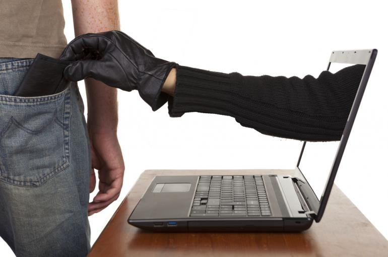 مقابله با جرایم سایبری در سطح بین المللی/ معصومه شریفی