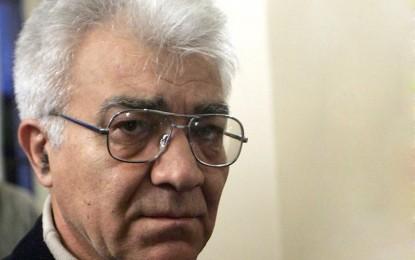 دکتر ناصر زرافشان: در بر همان پاشنهی قبلی میچرخد