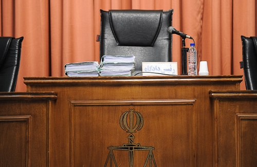 تاملی بر تبصرهی مادهی ۴۸ و اصل بیطرفی قوهی قضاییه/ دنا دادبه