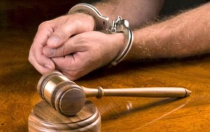 کانون وکلای دادگستری نهادی نظامی نیست/ حسین احمدی نیاز