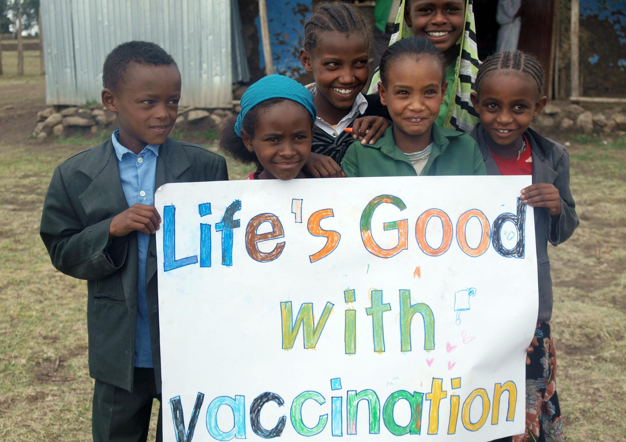 ایمن سازی کودکان یک مسئلهی حقوق بشری!/ ساموئل بختیاری و فریبا رئیسی