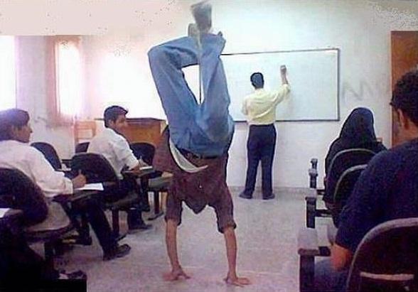 تنبیه دانش آموزان یا معلمان!؟/ محمد حبیبی