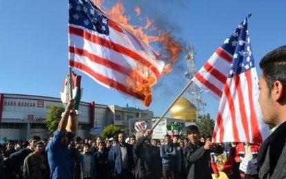 قبح بدیهی شعار مرگ بر کشورها و سوزاندن پرچمهای آنها/ محمد محبی