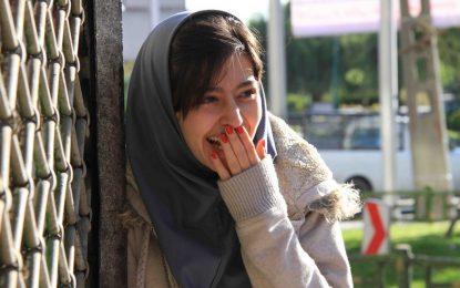 """""""لاک قرمز""""، رویکردی میانبرشی به بازنمایی زنان در سینمای ایران/ زهرا باقری شاد"""