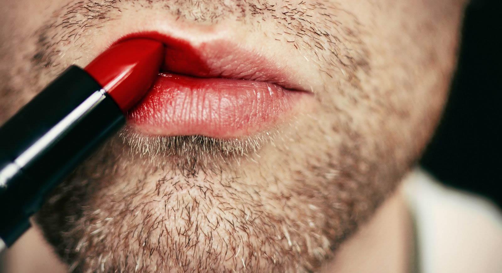 جنسیت در ایران و خلاءهای قانونی ترنسجندرها/ سینا کیانی