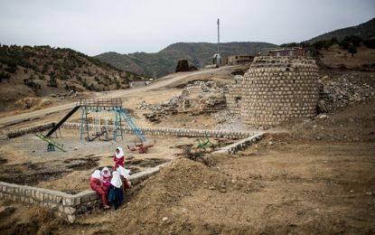 مدارس در کنار میادین مین؛ آثار جنگ بر بدن کودکان ۲۸ سال پس از اتمام/ رایحه مظفریان