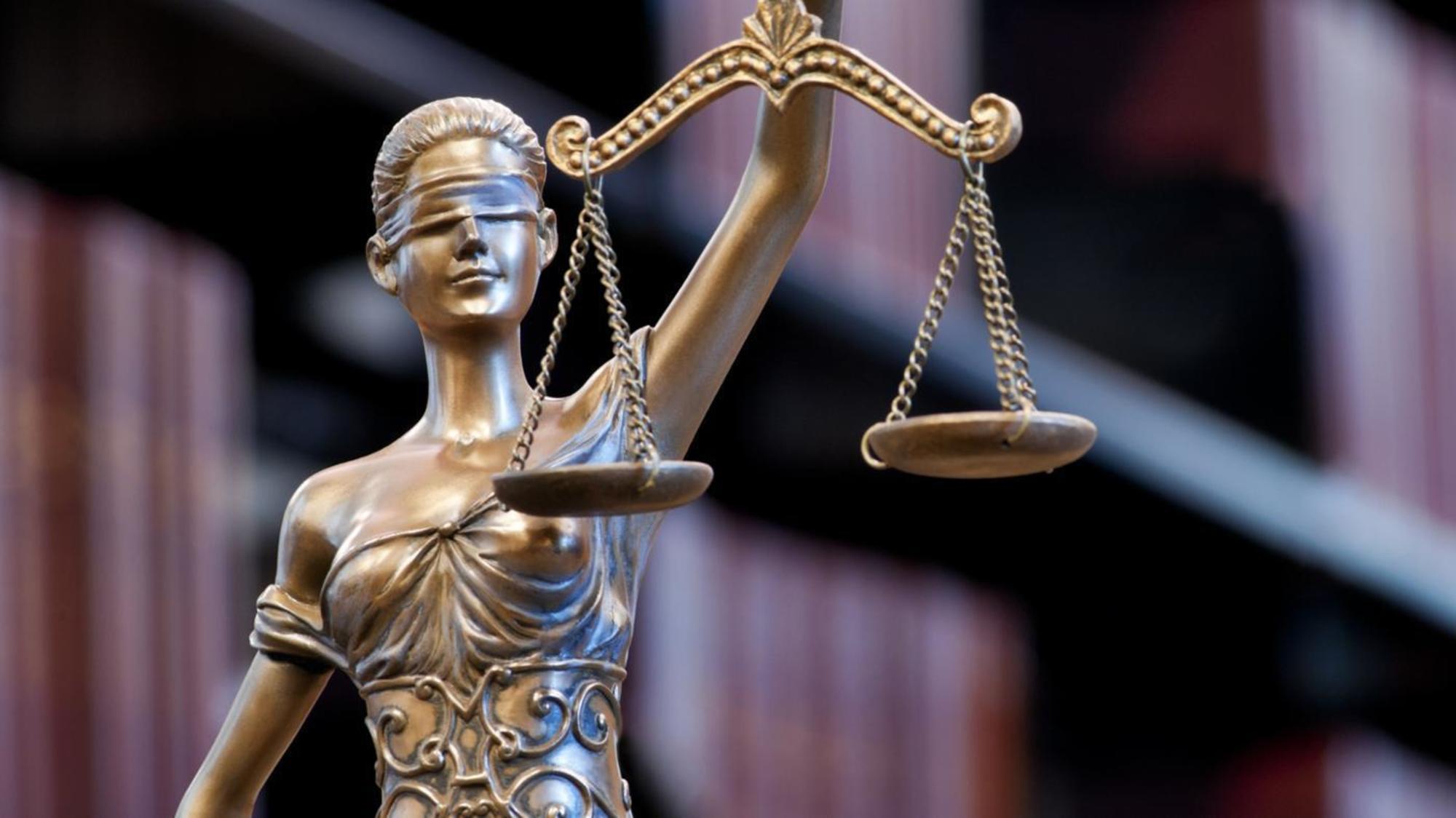 وکلای منتقد مورد غضب صاحبان قدرت/ محمد مقیمی