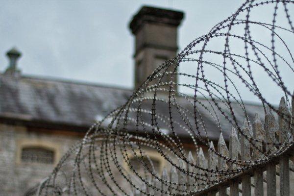 در زندان ها بر سر افراد دارای معلولیت چه می آید؟/ ساقی لقایی