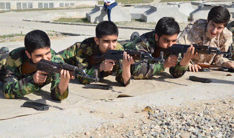 کوررنگی آقای وزیر در برابر سرخی خون کودکان/ جواد عباسی توللی
