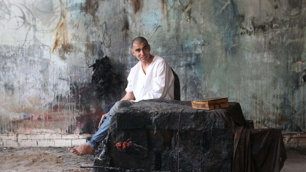 کابوسمان پابرجاست؛ در گفتگو با مصطفی پروین، هنرمند اردبیلی/ سیاوش خرمگاه
