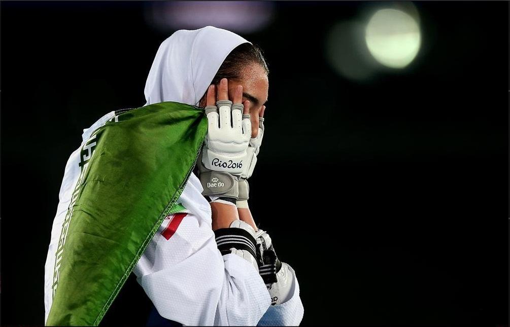 وزنه سنگین اجبار و سانسور بر شانه ورزشکاران زن/اعظم بهرامی