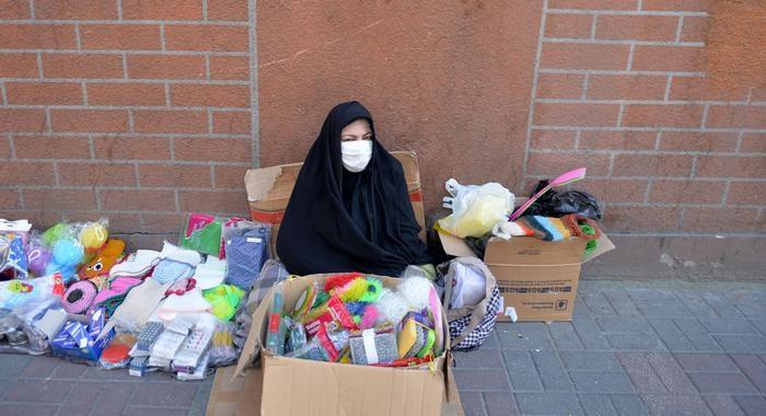 بحران کرونا و دارندگان مشاغل آزاد و دستفروشان/امیر جواهری لنگرودی