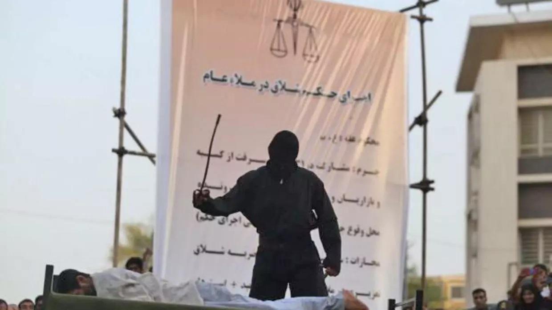 وقتی حاکم و حَکَم یکی است!/محمدجواد اکبرین