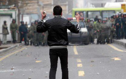 نقبی بر روش حکومت در تحریف و سرکوب اعتراضات خیابانی/ماری محمدی