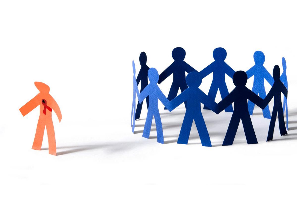 ایدز؛ بیماری جسمی همراه با تبعیضات اجتماعی/معین خزائلی